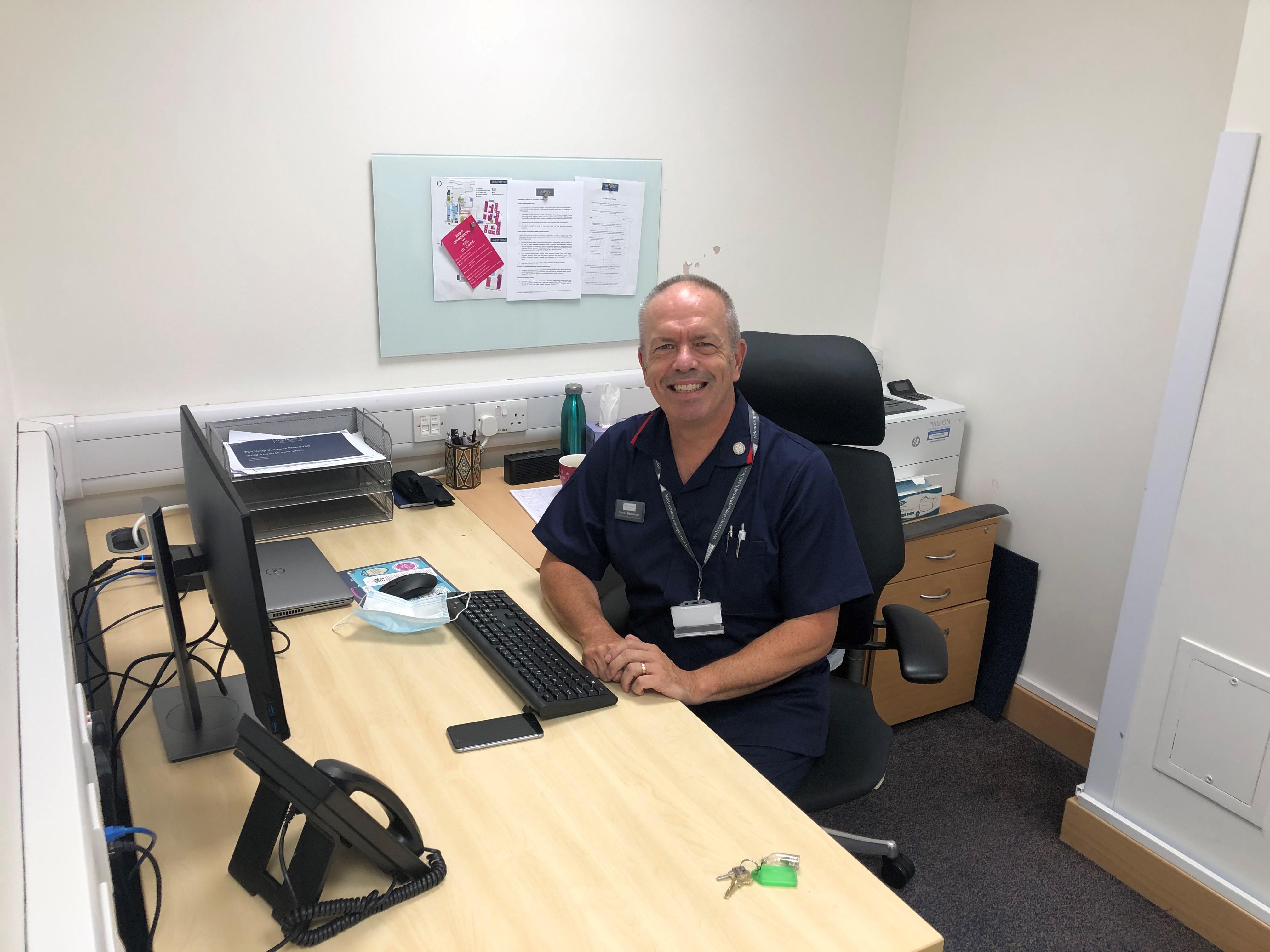 Dr Steven Beaumont